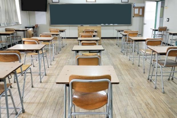 TJ suspende norma que condiciona retorno das aulas à imunização de todos os profissionais da educação
