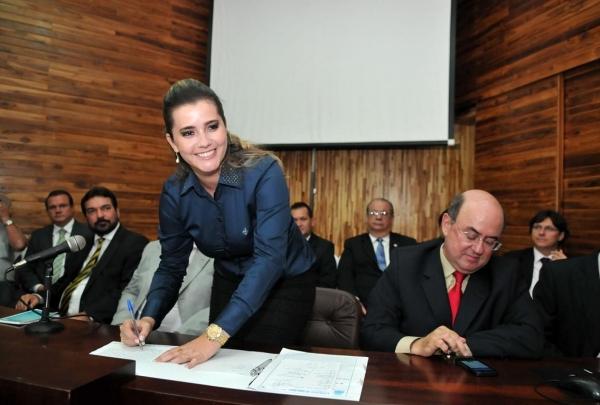 Ismaili quando da posse na UCMMAT, ao lado do ex-deputado estadual José Riva